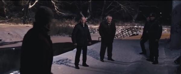 Менты расстреливают двух чиновников