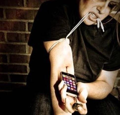 Телефонная зависимость сродни наркомании