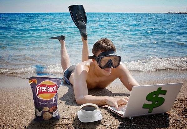 Фрилансер на пляже