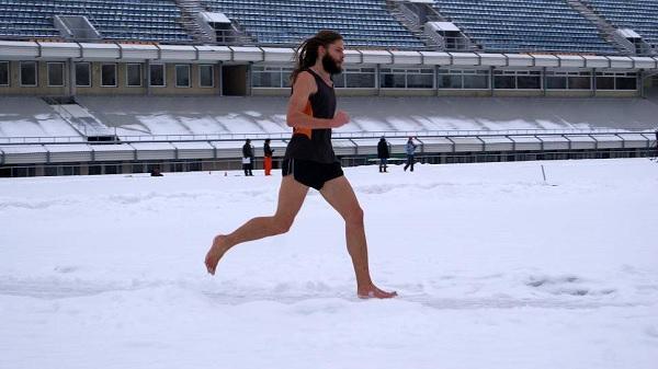 Бег босиком по снегу