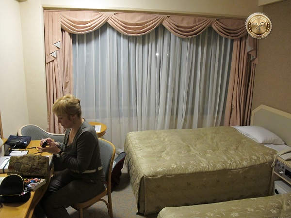 В номере отеля