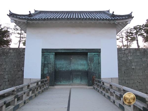 Ворота в резиденцию