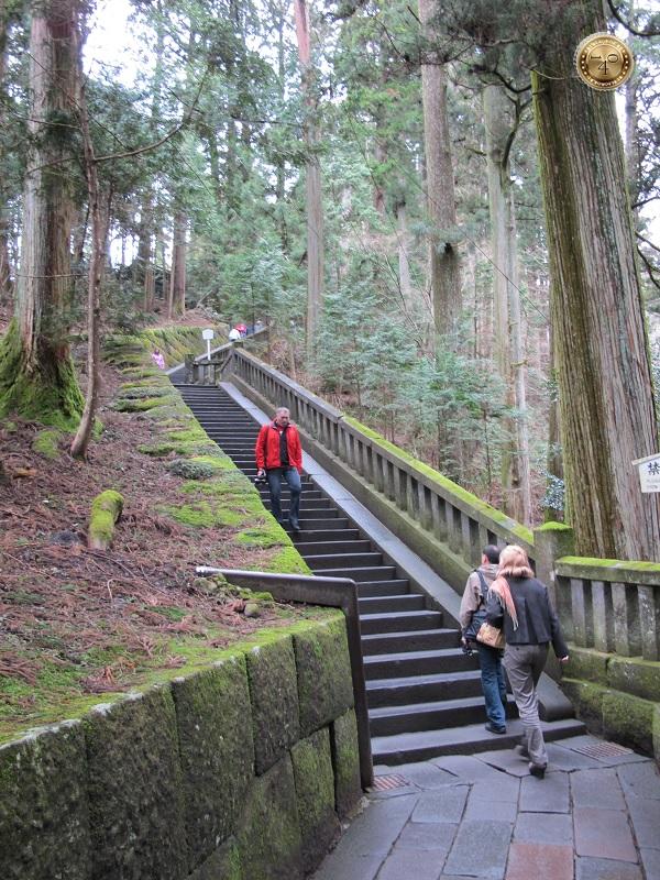 Лестница к могиле Иэясу Токугава