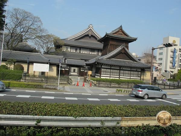 Старые и новые здания Киото
