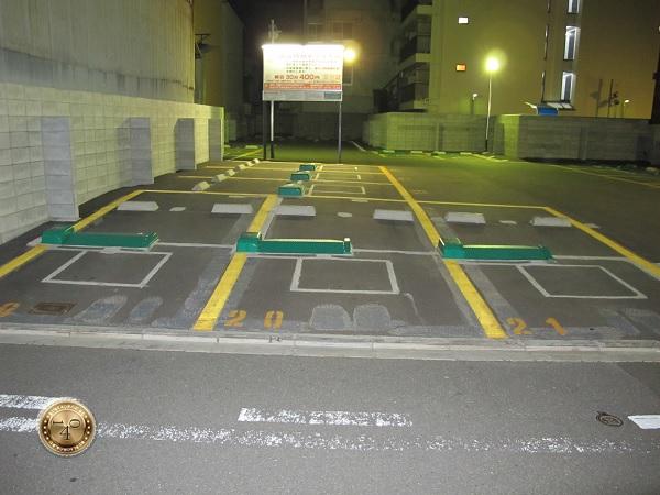 Паркинг у гостиницы в Киото