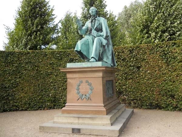 Памятник Г.Х.Андерсену