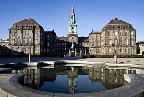 Дворец Кристианборг в Копенгагене