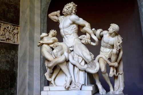 Лаоокон и его сыновья с бычьим цепнем