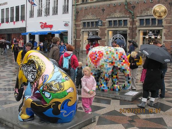 Слоны на улице Копенгагена