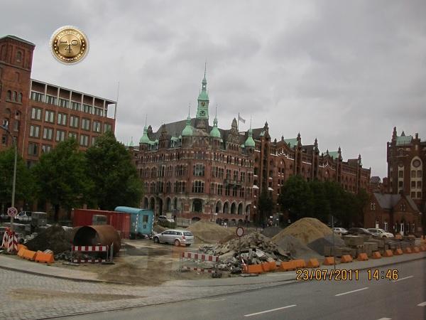 В 2011 году в московский мэр в Гамбурге работал