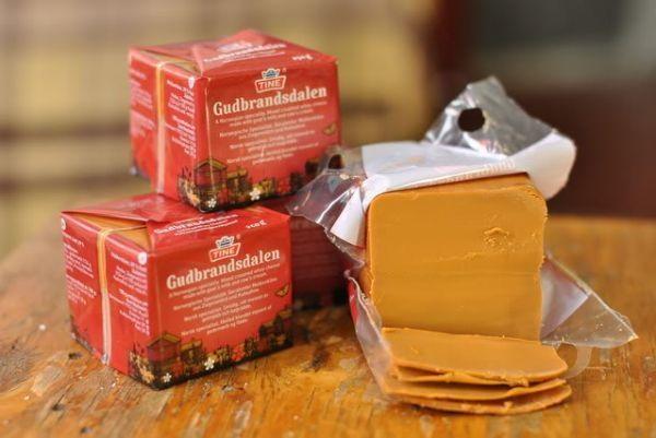 Козий норвежский сыр