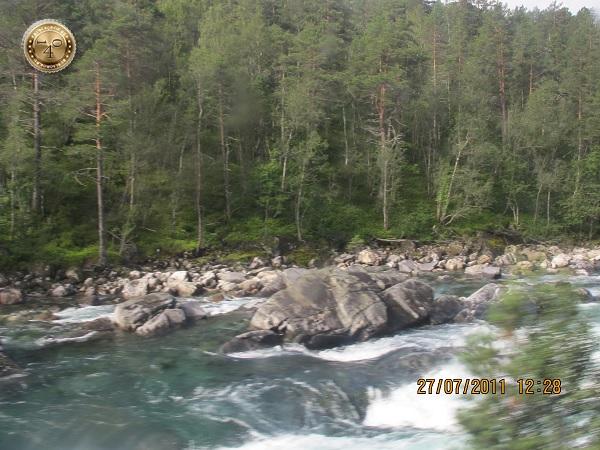 Пороги на горной реке