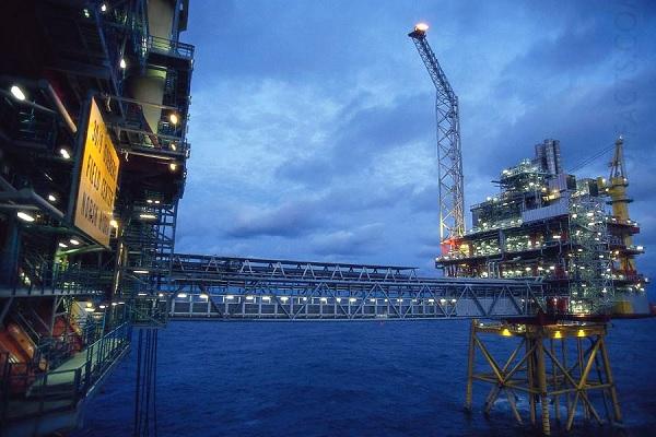 Нефтяные вышки в Норвегии