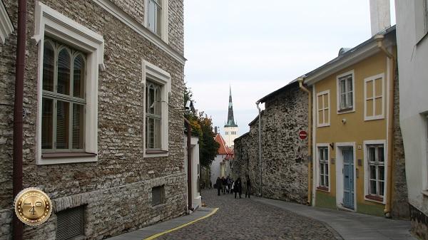 Улица Пикк ялг в Таллине