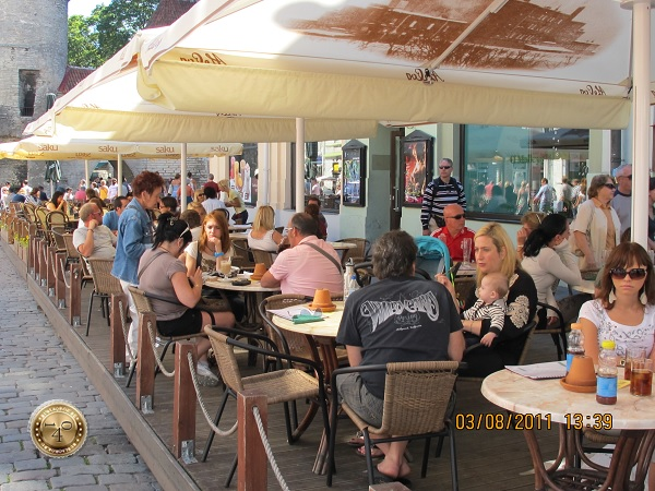 Уличное кафе в Таллине