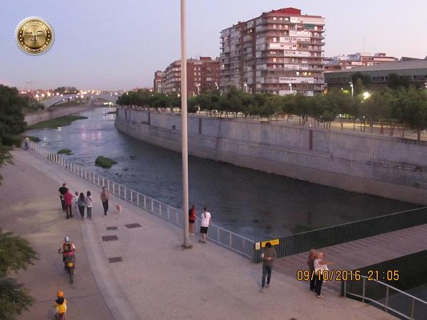 Мост через реку Манзарес в Мадриде