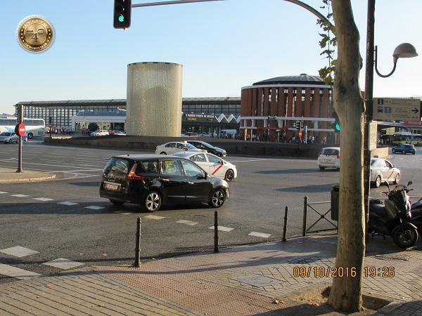 памятник жертвам теракта на вокзале Аточе