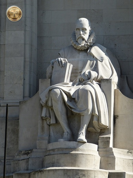 Писатель Сервантес