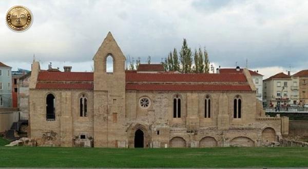 монастырь Санта-Клара-а-Велья в Коимбре