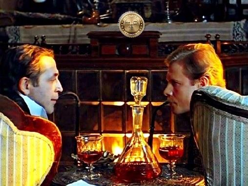Шерлок и Ватсон у камина