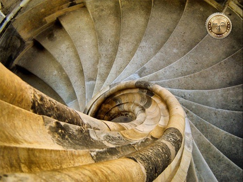 винтовая лестница в башне
