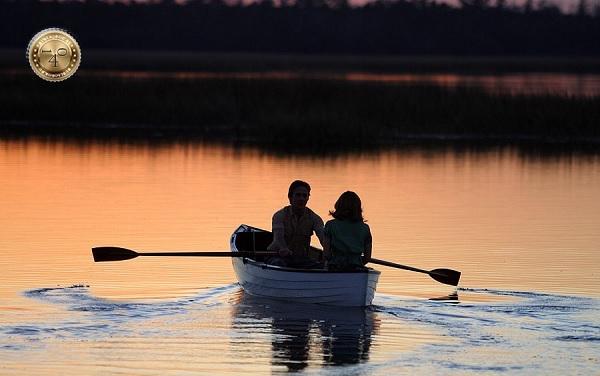 Лодка на прогулке