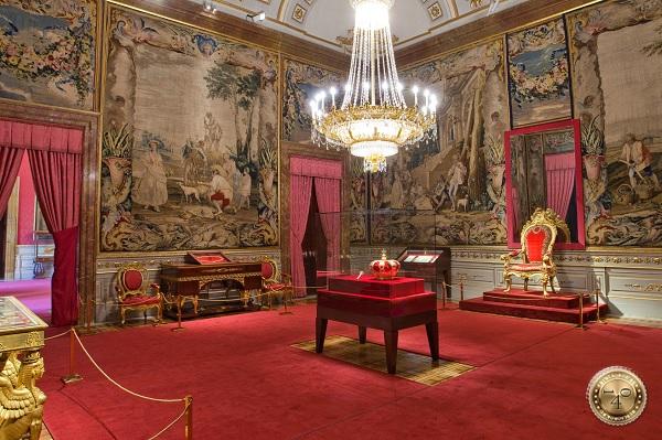 одна из комнат Королевского дворца в Мадриде