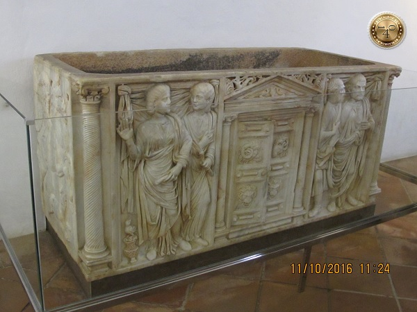 древнеримский саркофаг