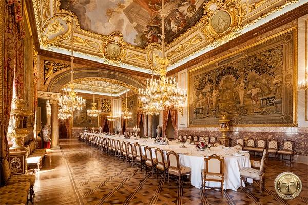 Обеденная зала в Королевском дворце в Мадриде