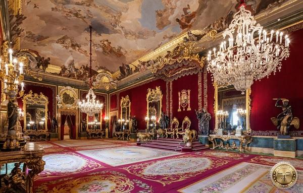 Тронная зала в Королевском дворце в Мадриде