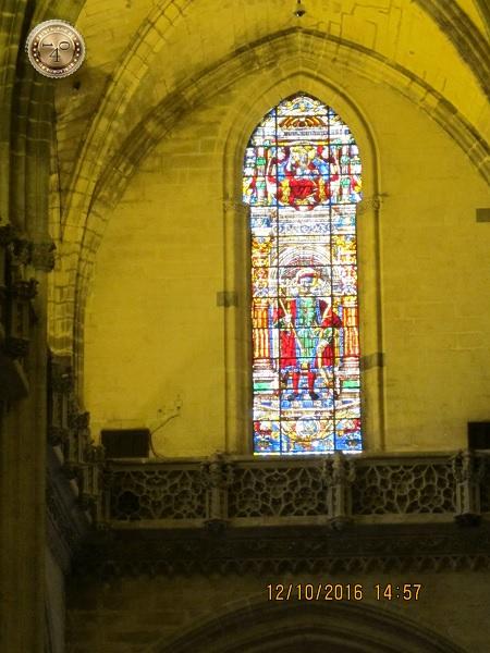 стрельчатая арка в Кафедральном соборе в Севилье