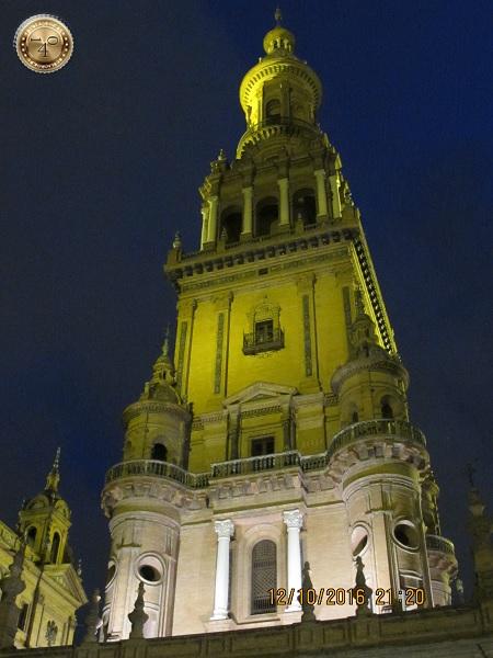 башня на площади Испании