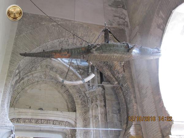 чучело крокодила в Кафедральном соборе Севильи