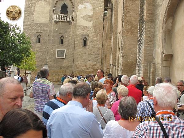 очередь в Севильский кафедральный собор