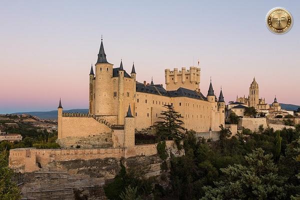 Замок Изабеллы и Фердинанда