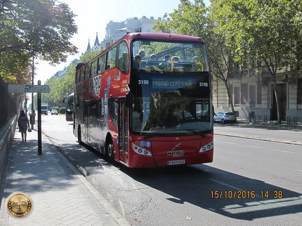 двухэтажный автобус в Мадриде
