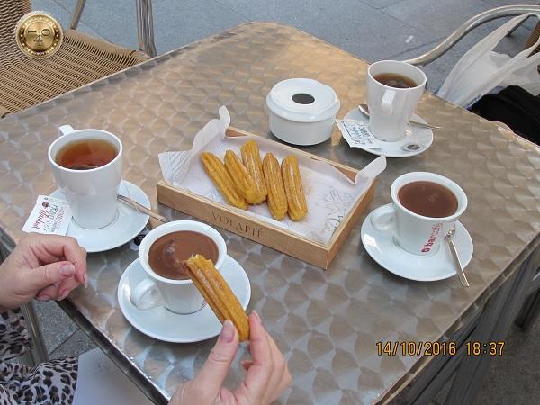 Уличное кафе в Сеговии
