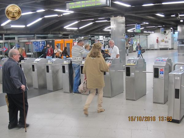 Вход в метро в Мадриде
