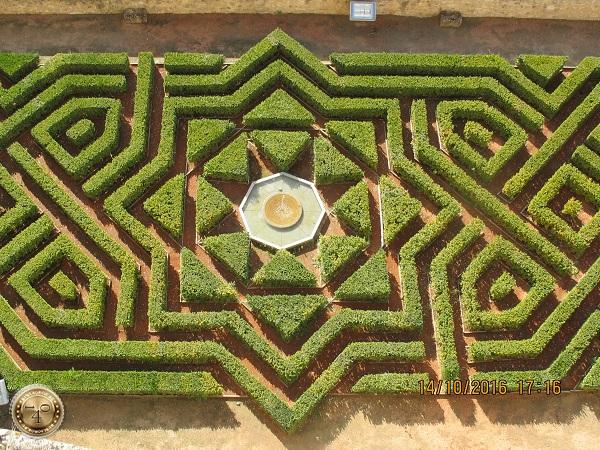 """Регулярный сад в """"Альгамбре"""""""