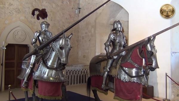 Рыцари в латах